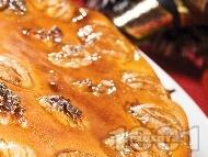 Сладкиш / кекс с варени кестени, яйца, орехи, мед, прясно мляко и грис за десерт